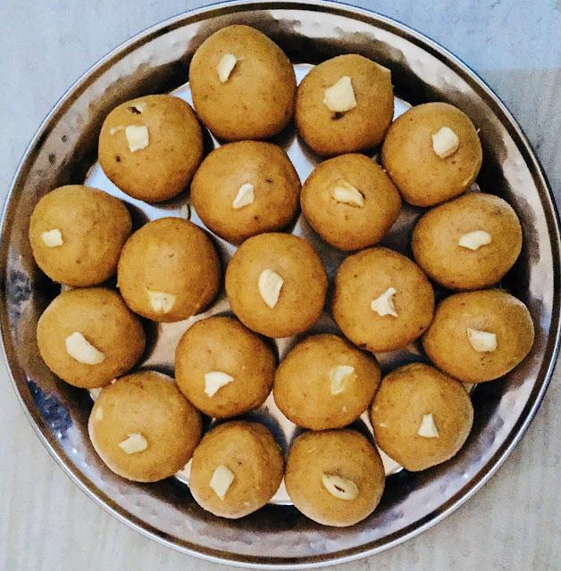 Besan-Ladoo-Recipe-Served