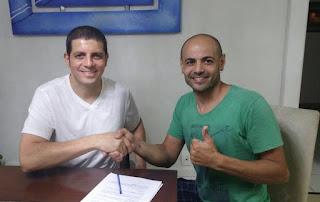 Alex Barros e Zerbo na assinatura para a temporada 2016