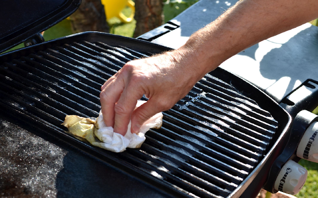 Barbecue Cleaning