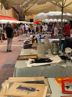 El Mercado de Antigüedades de Niza. www.soyunmix.com