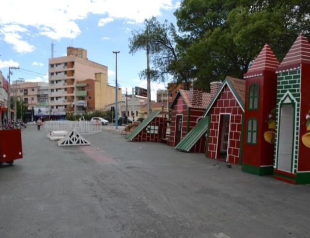 FUNDAP inicia instalação da Vila Natal e iluminação em alguns pontos de Patos