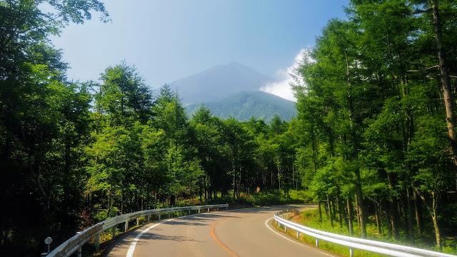 富士山五合目まで富士スバルラインでヒルクライム。スバルラインを下ったら河口湖を渡り御坂峠を越えて御坂みちで石和温泉まで走るサイクリングコース
