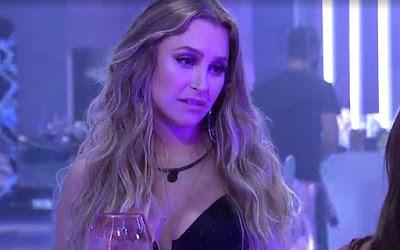 Carla fica com pulga atrás da orelha após declaração de Arthur no BBB21
