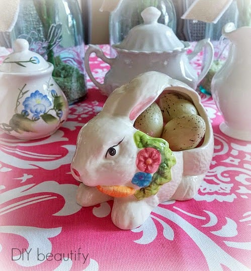 Easter Table Decor www.diybeautify.com