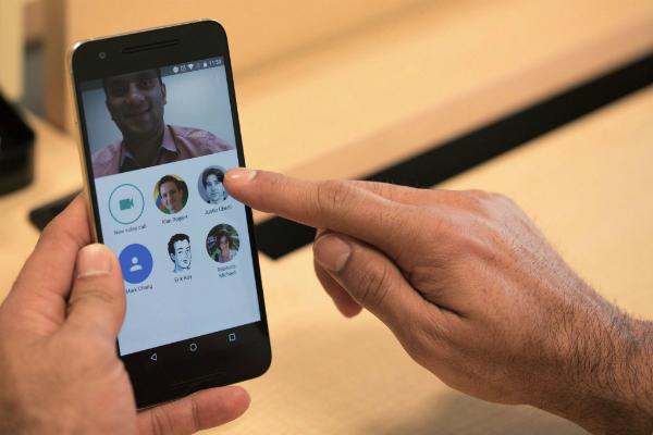 تحديث جديد لتطبيق جوجل ديو يأتي بميزة الاتصال الصوتي
