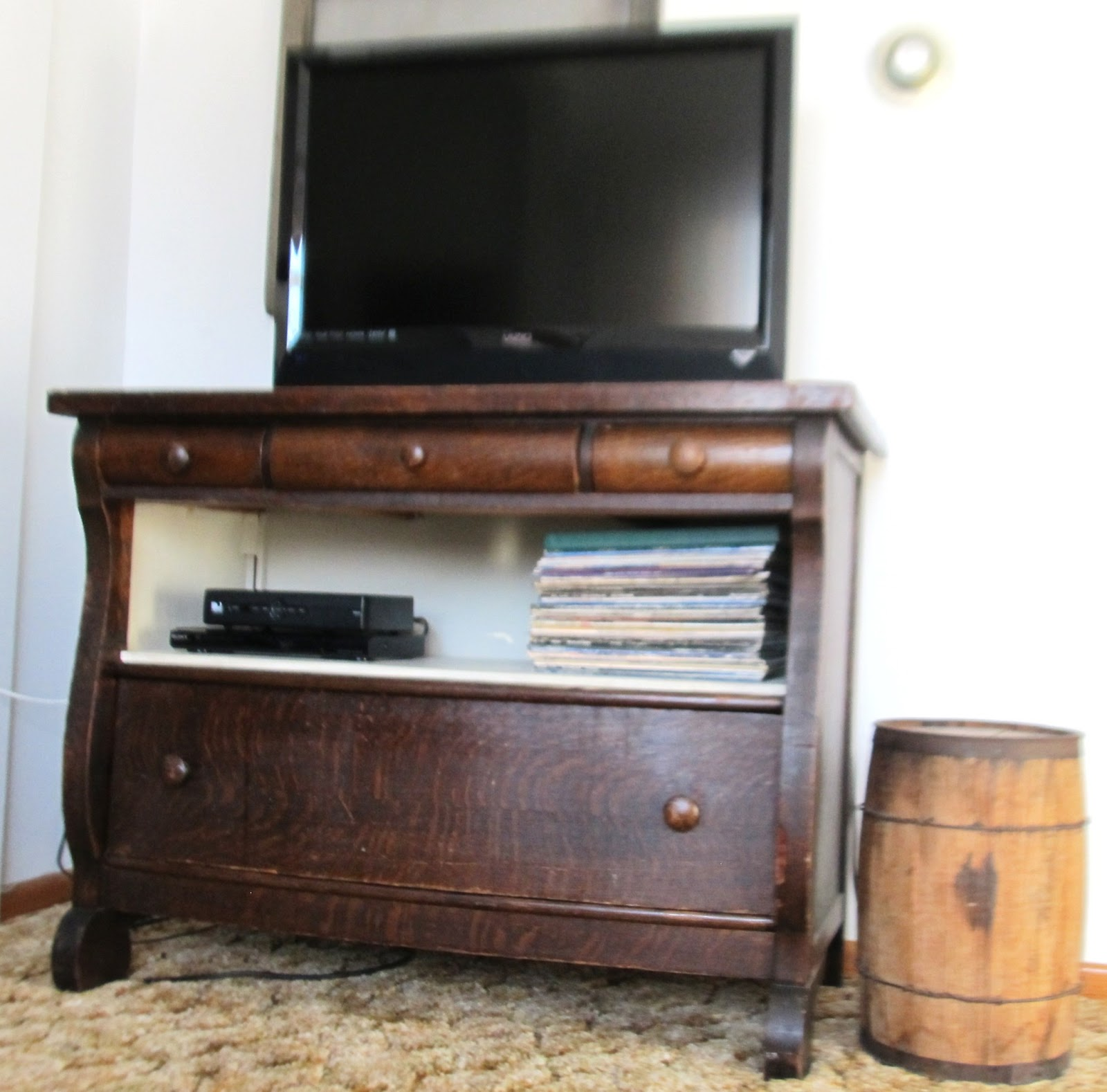 2 Farmers' Daughters: Re-purpose a dresser into an ...