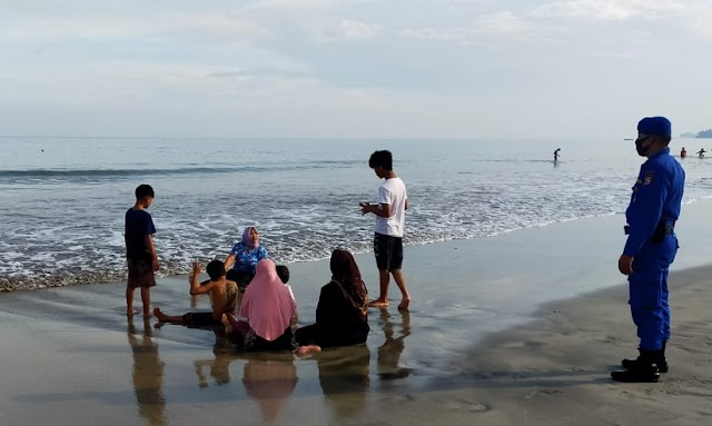 Warga Banyak Berwisata Pantai, Polisi Airud Patroli