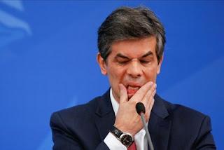Nelson Teich assumiu o cargo no dia 17 de abril. Logo após Luiz Henrique Mandetta ter sido exonerado pelo presidente Jair Bolsonaro.