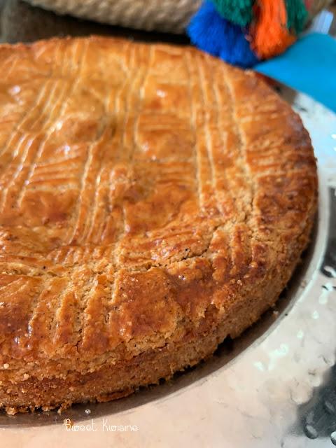 sweet kwisine, galette, amande, épices, crème pâtissière, gateau basque, épiphanie