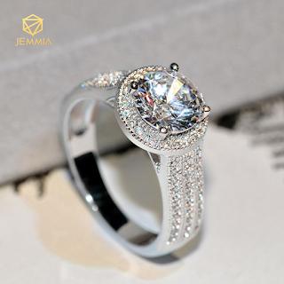 Nhẫn đính hôn một kim cương đẹp nhất
