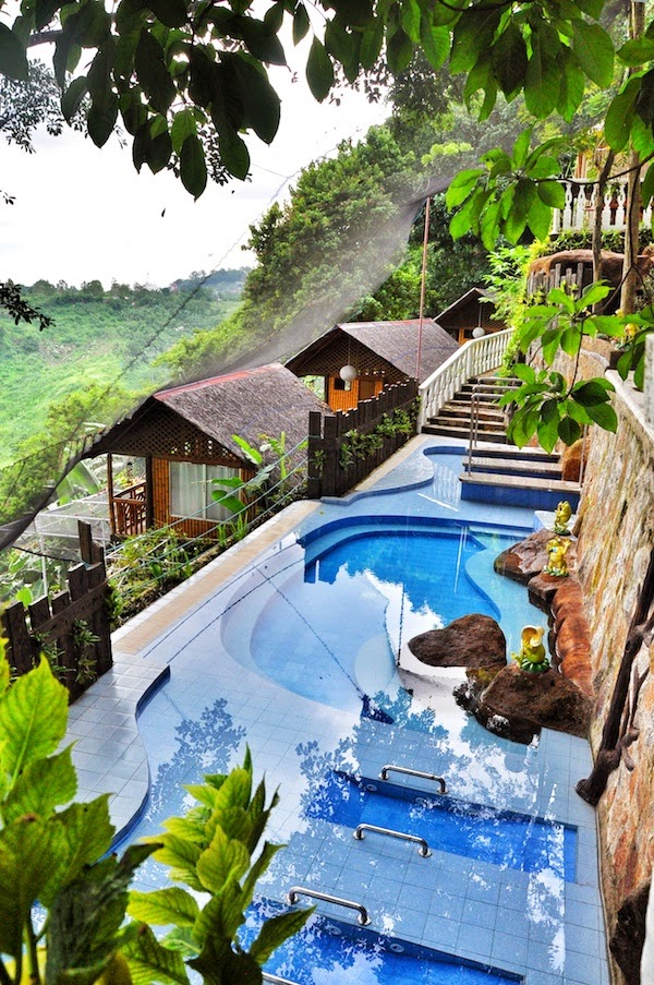 10 Most Famous Travel Destinations In Philippines | Luljetta's Hanging gardens and spa, Philippines