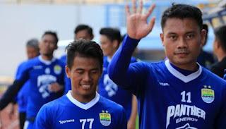 Persib Bandung Perpanjang Kontrak Dedi Kusnandar dan Ghozali Siregar