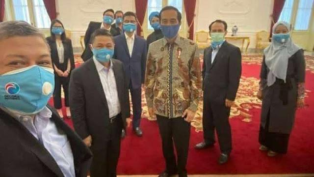 Sekali muncul ke publik, Partai Gelora langsung bikin heboh. Partai besutan Mantan Presiden PKS Anis Matta itu Senin (20/7) bertemu dengan Presiden Jokowi di Istana Merdeka