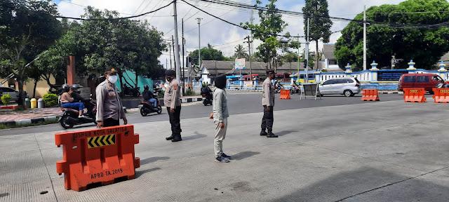 Polisi Perketat Perempatan Tingkir Selama PPKM Darurat di Kota Salatiga