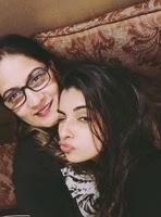 अवंतिका हुंदल अपनी माँ के साथ
