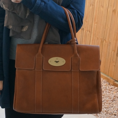 Mulberry oak bayswater bag in NVT leather on arm | away from the blue