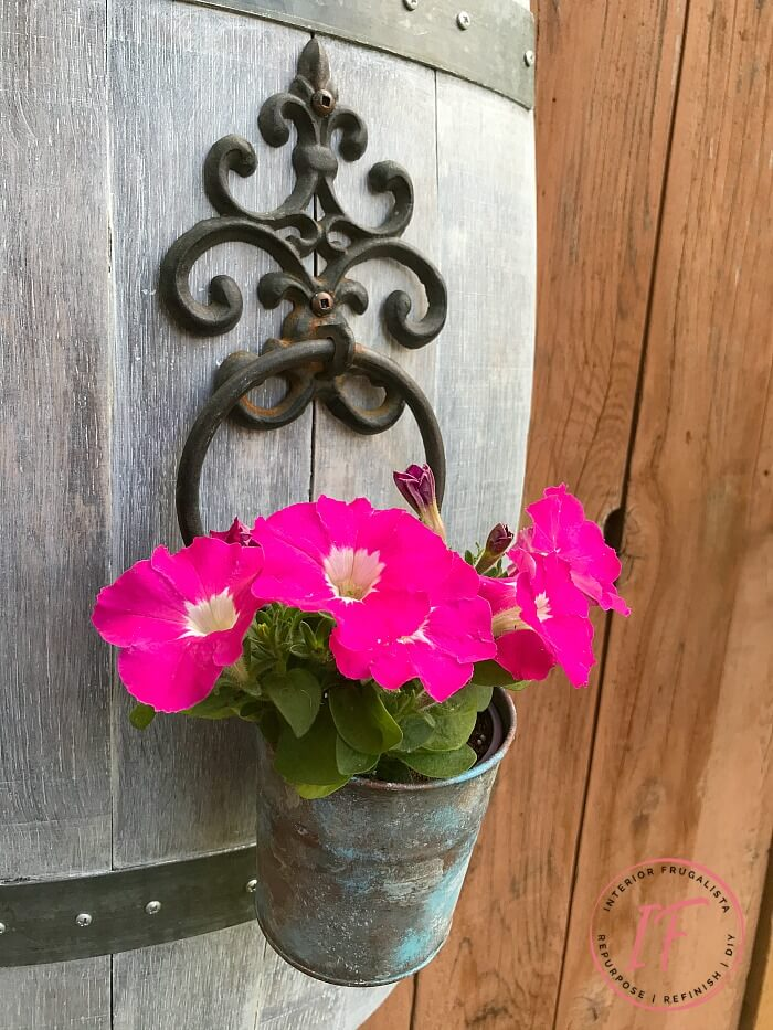 Ornamental Iron Flower Pot Holder