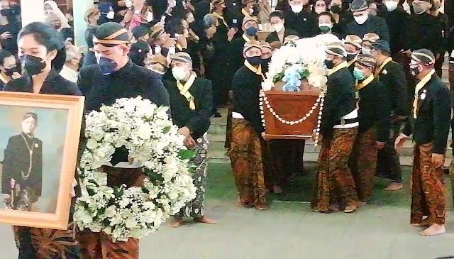 Jenasah Mangkunegoro IX