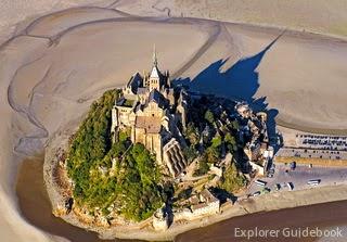 Pulau Mont Saint Michel di Perancis