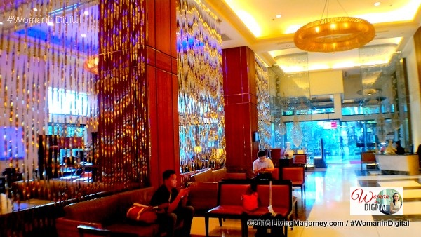 Marriott Cebu lobby
