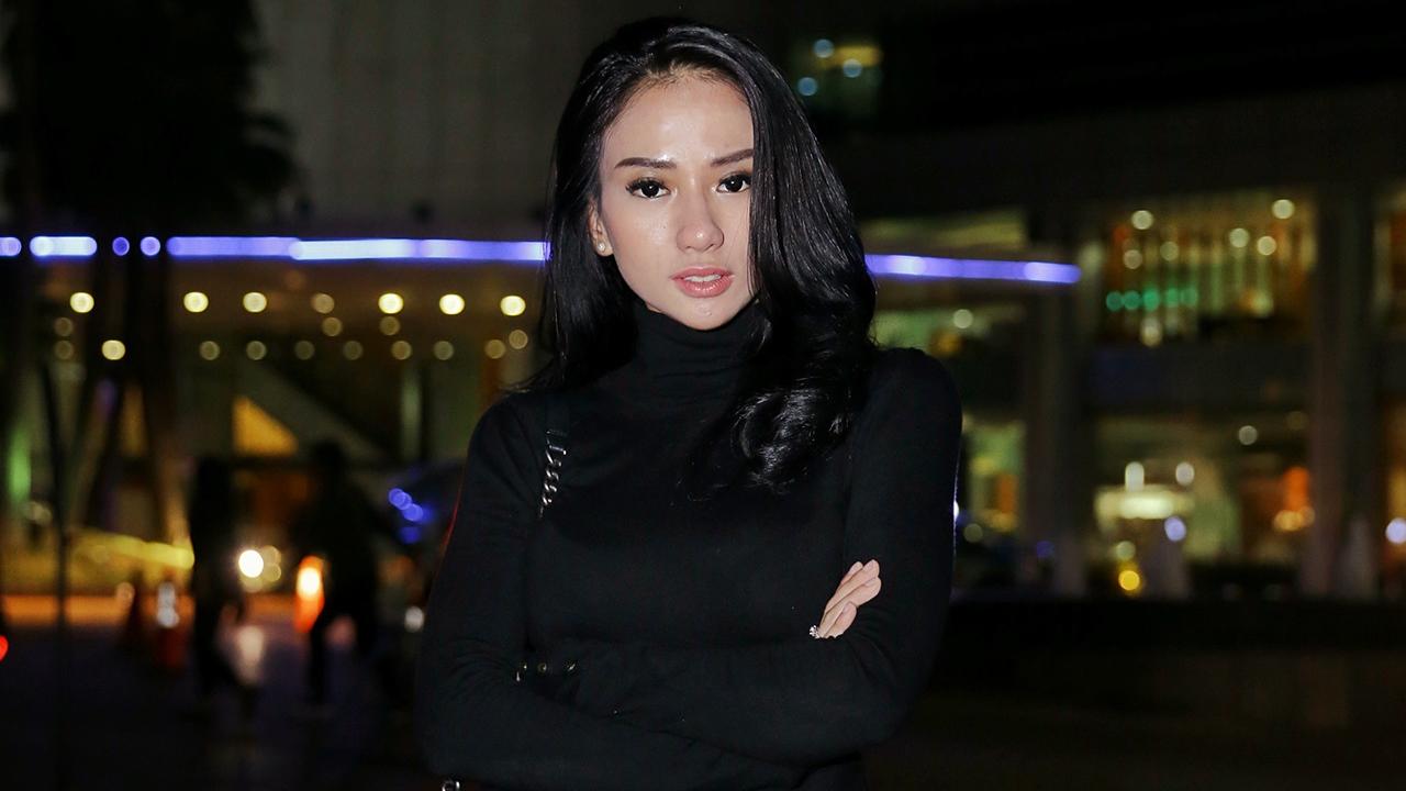 Bella Luna artis cantik yang dianggap sebagai Pelakor