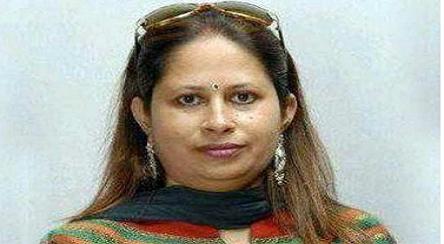 'এই নারী ফেসবুকে থাকলে জলদি ডিলিট করুন'