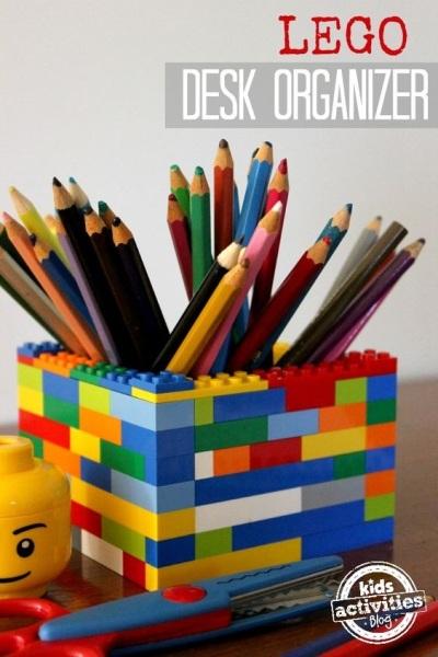 12. Lego jadi wadah alat tulis