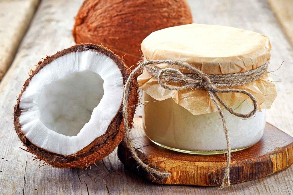 Adicione óleo de coco à sua dieta