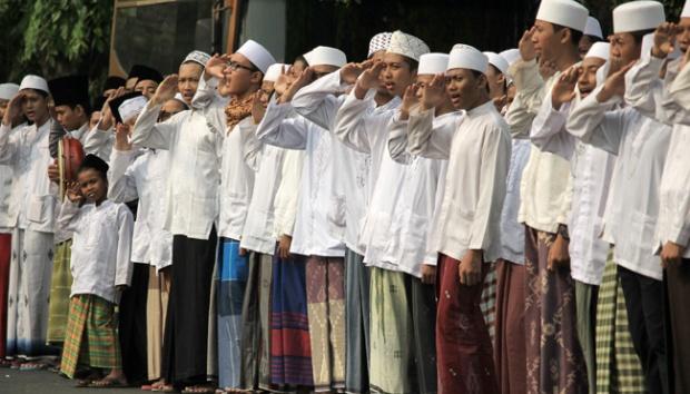 Cerita Santri Merampok Wakil Rakyat
