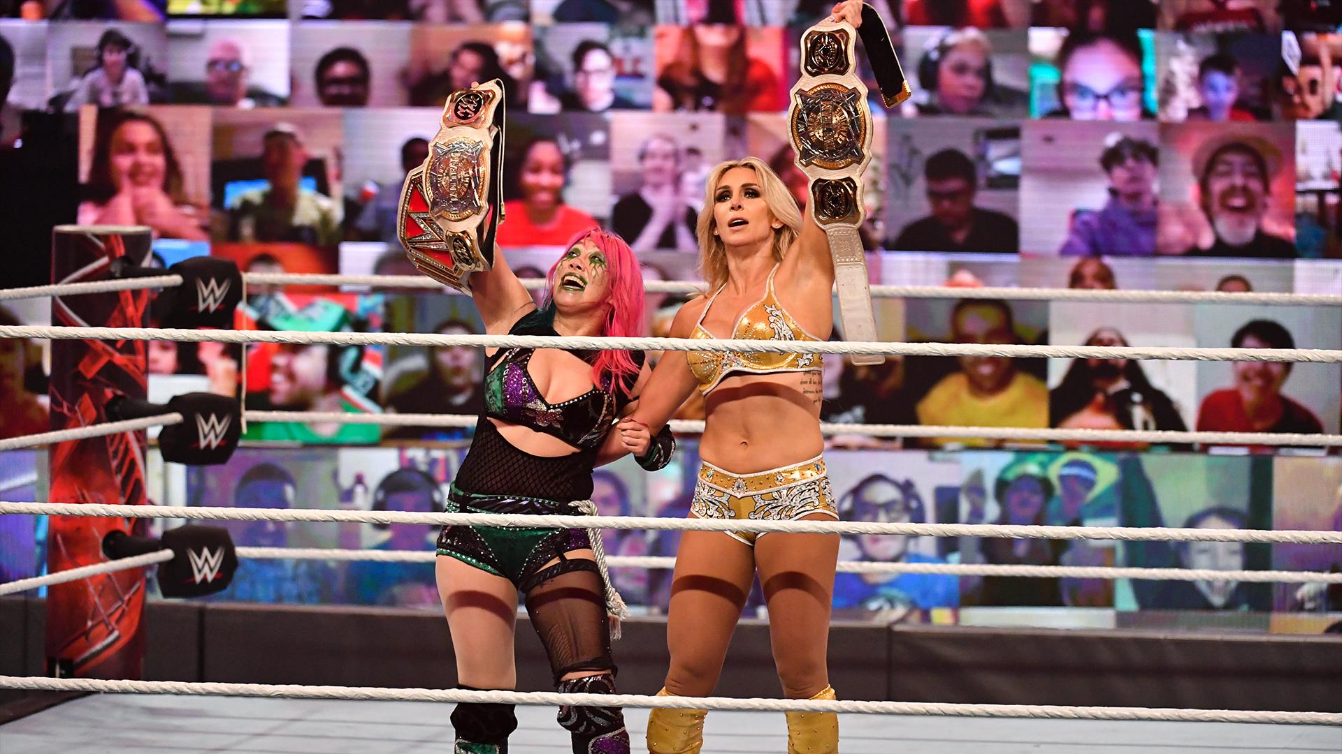 Charlotte Flair retorna e conquista o WWE Women's Tag Team Championship ao lado de Asuka