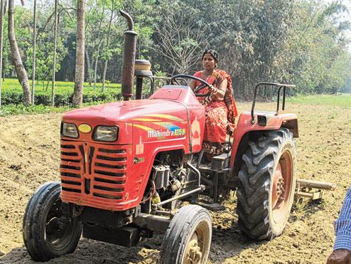 IndiaGirlsOnBike - Women Empowerment Of India: Women ...