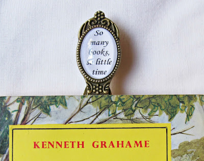 image quote bookmark so many books so little time domum vindemia handmade
