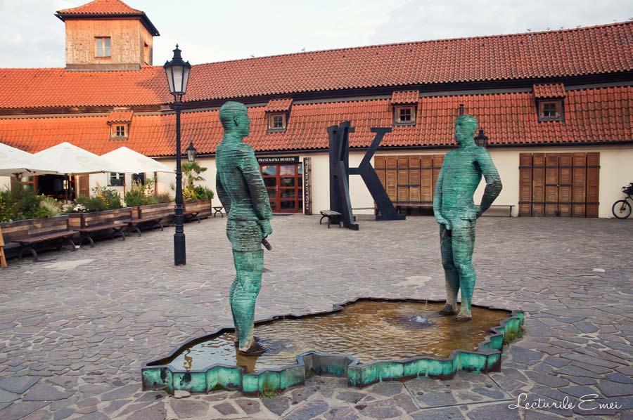 Muzeul Kafka si sculptura de David Czerny