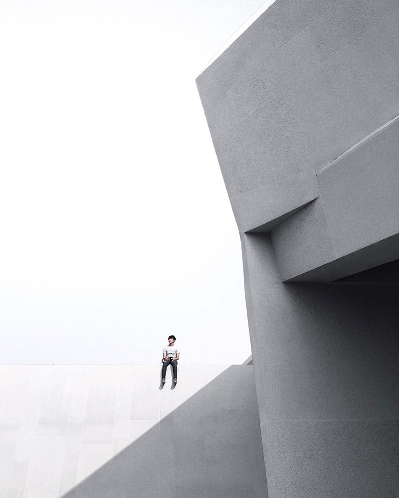 Minimal People Photography by Yong Han Hao from Taipei, Taiwan.