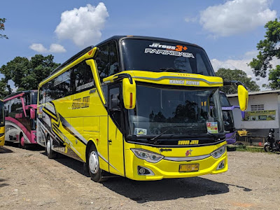 Bus Subur Jaya Range Rover