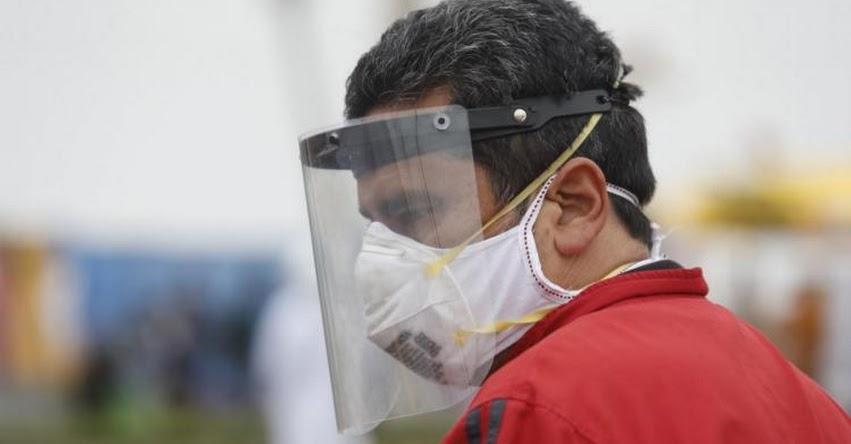 PROTECTORES FACIALES: Consejos para desinfectar y guardarlos después de su uso
