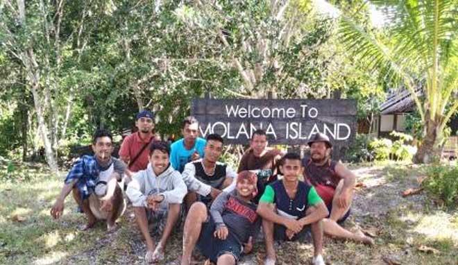 Perjalanan Wisata Ke Pulau Molana