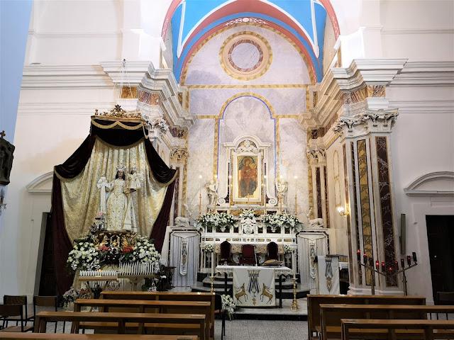 L'altare del Santuario Madonna della Scala a Massafra