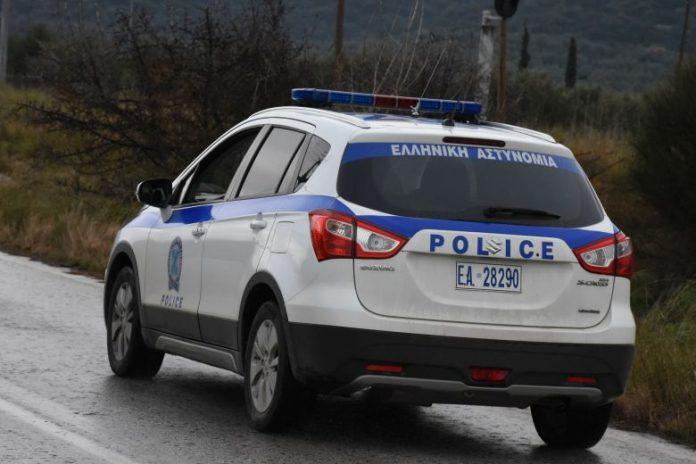 Αστυνομική καταδίωξη βαν στον κόμβο Αμφίπολης - Μετέφερε παράνομα 25 αλλοδαπούς