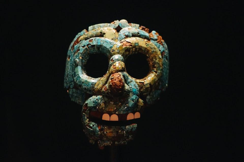 ケツァルコアトルのモザイクマスク(Mosaic mask of Quetzalcoatl)