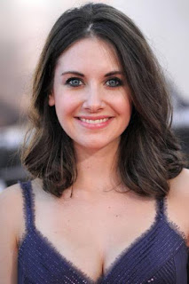 قصة حياة اليسون بري (Alison Brie)، ممثلة أمريكية يهودية، من مواليد يوم 29 ديسمبر 1982