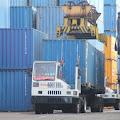Tarif Penumpukan Peti Kemas di Pelabuhan Makassar Paling Murah