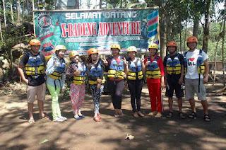 wisata tubing di sungai badeng banyuwangi