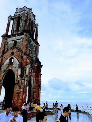 ナムディン省のハイリー教会(Nhà Thờ Đổ Hải Lý)