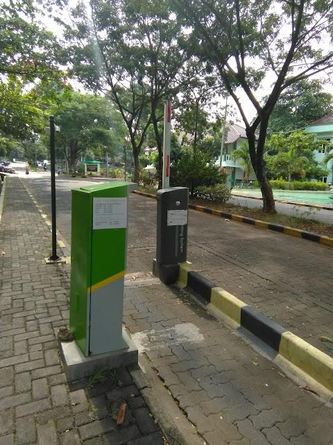 Barrier Gate Rusak, Kasubag RT Lakukan Maintenance Rutin