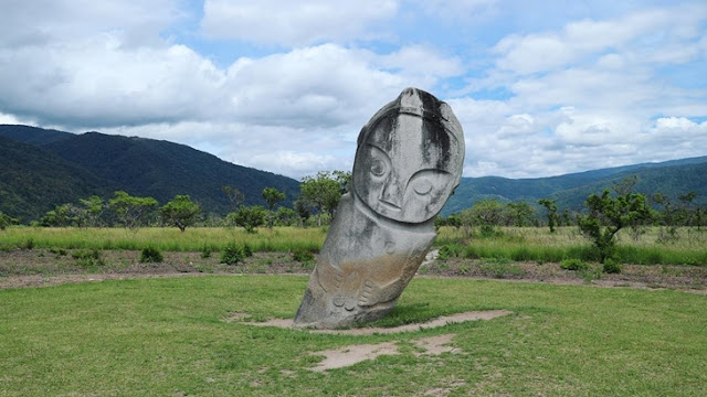 Patung megalitik di Lembah Bada, Poso, Sulawesi Tengah
