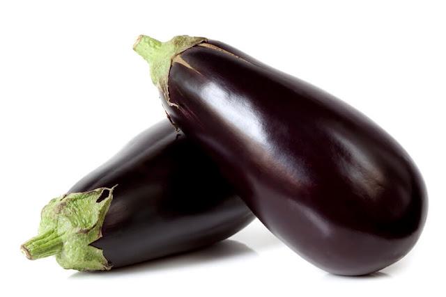 وصفة طبيعية لعلاج النمش نهائيا bigstock-Eggplant-80