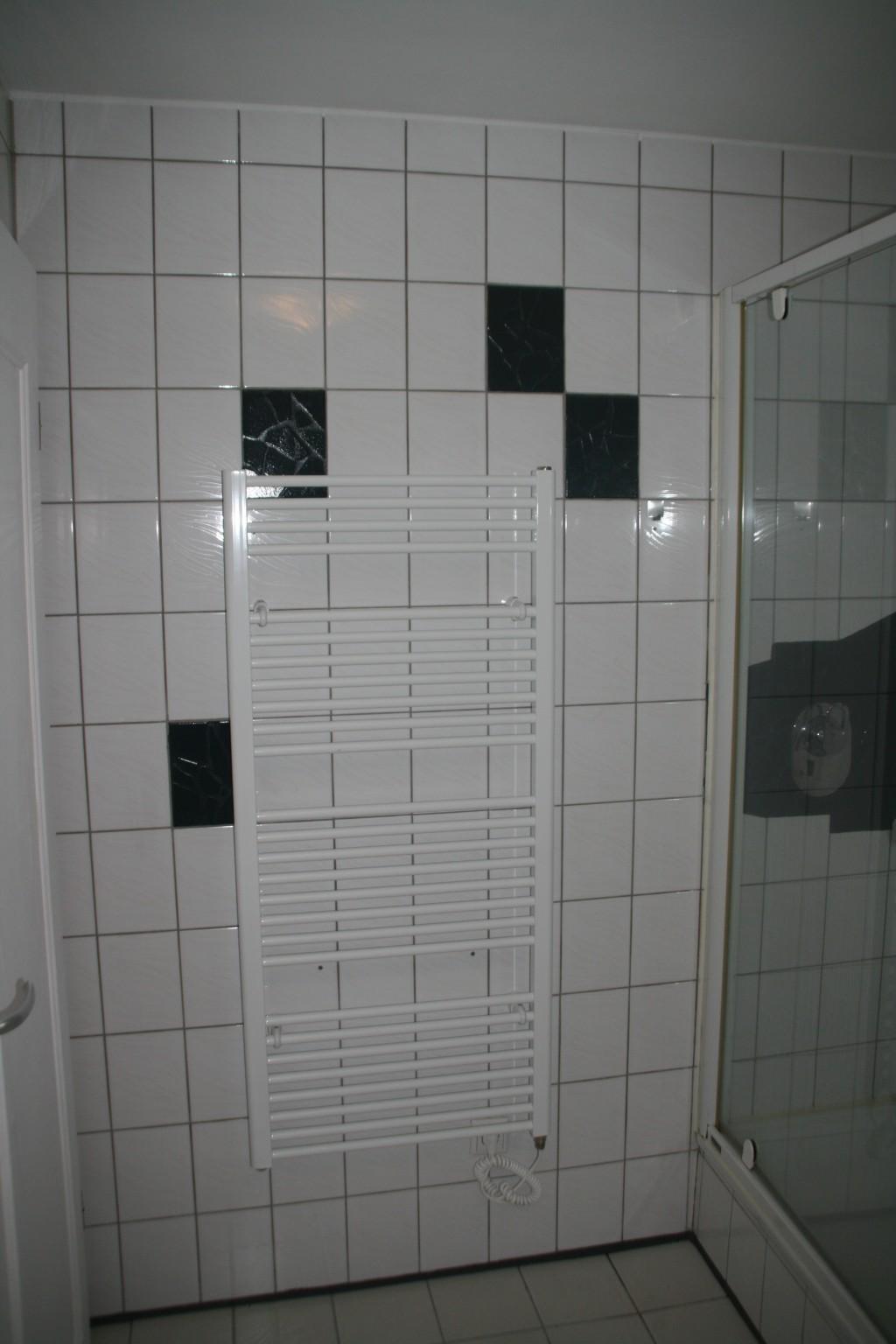 b der renovierungen fliesenleger mannheim fliesenlegearbeiten in der n he von weinheim begonnen. Black Bedroom Furniture Sets. Home Design Ideas