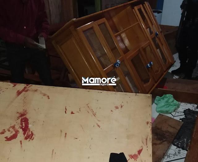 JACINÓPOLIS: POLÍCIA MILITAR PRENDE JOVEM BASTANTE ALTERADO QUE ESTAVA DESTRUINDO RESIDÊNCIA DO PAI