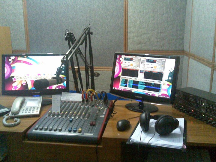 Kiat Membuat Studio Penyiaran